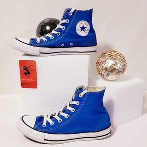 Converse Shoes - Converse French Blue All Stars size 8 unisex💋🦅